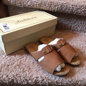 Auditions Sparkle Tan Leather Sandals NIB 6 W